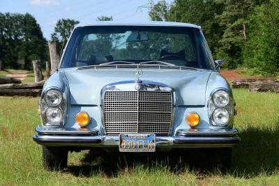280 SE Sedan
