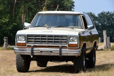 Dodge Ramcharger 5.9 V8 (360)