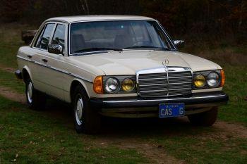 Mercedes-Benz 280E Sedan (W123)