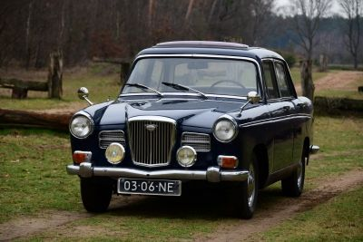 Wolseley Saloon 16/60