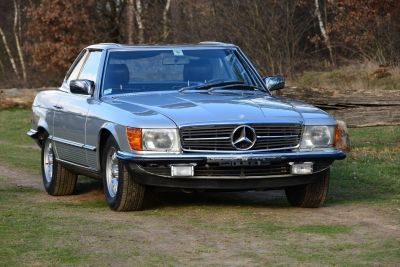 Mercedes-Benz 280 SL Convertible W107