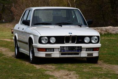 BMW M535I Sedan (E28)