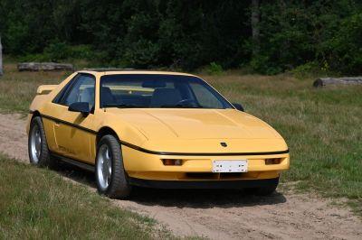 Pontiac Fiero 2.8 V6 Coupe