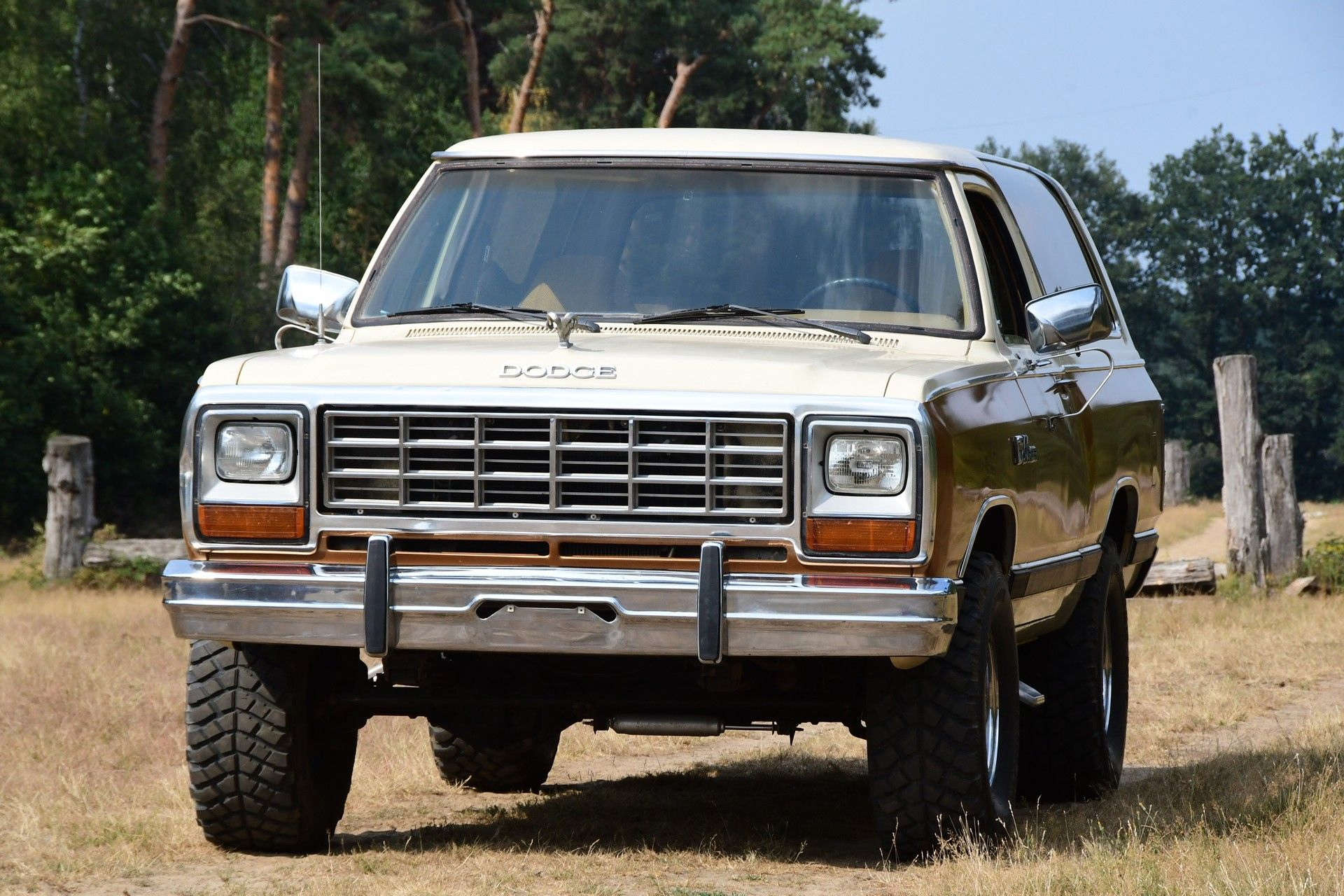 Dodge Ramcharger 5 9 V8 360 Stuurman Classic Cars